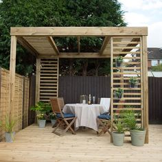 The Hartwood Dining Pergola Without Panels is a sturdy pergola with a contemporary design to suit any style of garden and provides structure to an outdoor dining or entertaining area. This version of the pergola is supplied without panels. Diy Pergola, Pergola Garden, Wooden Pergola, Outdoor Pergola, Outdoor Dining, Outdoor Decor, Timber Pergola, Small Pergola, Pergola Roof