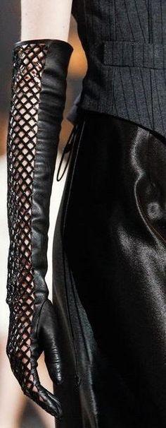 Marc Jacobs | LBV♥✤ | KeepSmiling | BeStayElegant #newyearstylechallenge #accessories