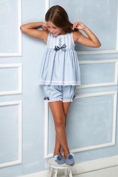 Baby Dress Design, Baby Girl Dress Patterns, Baby Girl Frocks, Frocks For Girls, Young Girl Fashion, Cute Kids Fashion, Cute Girl Dresses, Little Girl Dresses, Kids Nightwear
