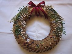 Interesting Christmas wreath. Sewing project?