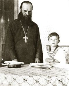 The last confessor of the Royal Family and one of the most prominent pastors, temperance was destined to become Archpriest Alexander Petrovich Vasiliev. He was born August 6, 1868 in the village in a whisper Smolensk province (now Tver region) in the family of a peasant-grower.    On January 9, 1910, Archpriest Alexander Vasilyev at the invitation of Empress Alexandra Feodorovna was scribes the Royal Children. Soon became the father confessor of Tsarevich Alexei,