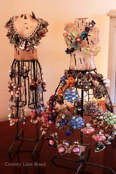 What a unique display idea for vintage brooches..Image detail for -Vintage-Jewelry @Kathleen Haberstroh