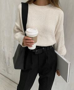 The Only 7 Outfits You& Need This December Outfit inspirations Look Fashion, Korean Fashion, Fashion Models, Winter Fashion, Fashion Outfits, French Fashion, Fashion Tips, Mens Fashion, Classy Outfits