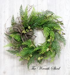 use brighter colored bow Twig Wreath, Green Wreath, Wreath Crafts, Tulle Wreath, Wreath Ideas, Summer Wreath, Spring Wreaths, Winter Wreaths, Outdoor Wreaths