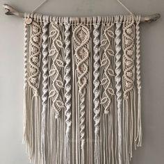 Macrame Design, Macrame Art, Macrame Projects, Macrame Knots, Driftwood Macrame, Macrame Mirror, Crochet Projects, Micro Macrame, Crochet Ideas
