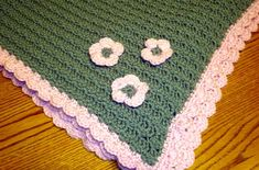 Puffed Baby Blanket close