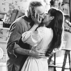 "Clint Eastwood y Meryl Streep en ""Los Puentes de Madison"" (The Bridges of Madison County), 1995 Clint Eastwood, Meryl Streep, Robert Ri'chard, Madison County, Hollywood, Old Love, Marlon Brando, Movie Characters, Movies Showing"