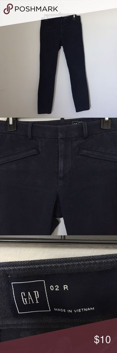 Gap size 2R capri pant Gap size 2R capri pant. Good condition. Gap Pants Ankle & Cropped
