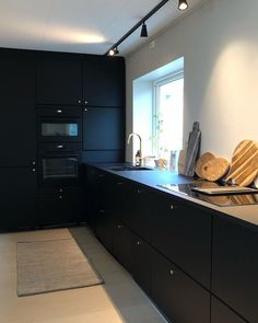 66 Premium Black Kitchen with Black Cabinets Ideas - HomeCNB Black Kitchen Cabinets, Black Kitchens, Home Kitchens, Black Ikea Kitchen, Kitchen Dining, Kitchen Decor, Ikea Kitchen Design, Casa Loft, Traditional Dining Rooms