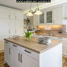 Furnishing style living beautiful living well-being country style white kitchen wood in the kitchen country kitchen wood worktop Kitchen Furniture, Kitchen Decor, Kitchen Wood, Kitchen Ideas, Kitchen Living, Kitchen Cabinets, Estilo Country, Country Style Homes, Küchen Design