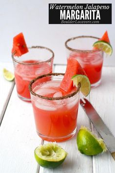 A spicy, sweet, refreshing Smoky Watermelon Jalapeno Margarita recipe. A fresh unexpected cocktail perfect for summer. Jalapeno Margarita, Watermelon Margarita, Margarita Recipes, Smoothie Recipes, Drink Recipes, Smoothies, Healthy Recipes, Freshly Squeezed Orange Juice, Fresh Lime Juice