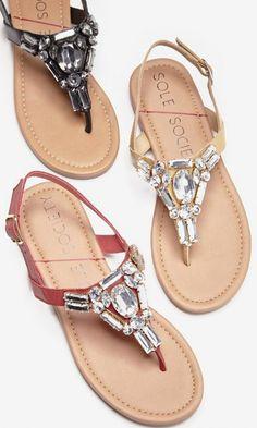 Flat sandals bejeweled in sparkling crystal stones