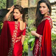Beautiful Pakistani Dresses, Elegant Saree, Beautiful Saree, Dress Indian Style, Indian Fashion Dresses, Indian Designer Outfits, Designer Sarees Wedding, Bollywood Designer Sarees, Red Saree Wedding