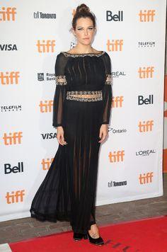 Riley Keough en robe Chanel de la collection automne-hiver 2016-2017