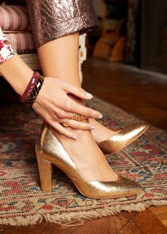 join my shoe collection please Knit Shoes, Sock Shoes, Fashion Shoes, Fashion Accessories, Golden Shoes, High Heels, Shoes Heels, Shoe Tree, Mocassins