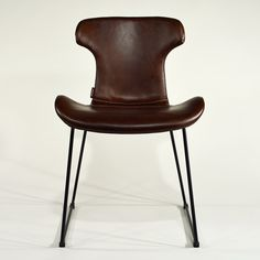 Premium Lederstuhl Opus 2 Vintage Lederstuhl mit Baseball-Naht. Super bequem und super günstig #lederstuhl #braun #baseballstitches #esszimmerstuhl #modern #design Opus, Retro, Super, Baseball, Chair, Modern, Furniture, Vintage, Design