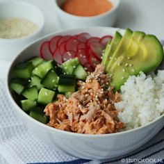 poké bowl met pittige tonijn gold advices to be healthy and live healt. Poke Bowl, Poke Sushi Bowl, Clean Recipes, Easy Healthy Recipes, Easy Meals, Healthy Nutrition, Healthy Eating, Poke Salad, Buddha Bowl