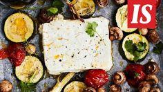 Uunissa muhitettu feta maistuu niin hyvälle, että siihen saattaa jäädä vähän koukkuun. Feta, Camembert Cheese, Dairy