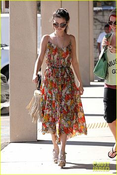 Selena Gomez - love the dress, love the shoes, love them both together!
