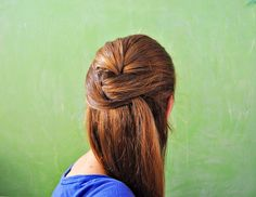 Ducklings In A Row - Hair + DIY Tutorials: Holiday Guide Day 13 of 26: Holiday Hair Tutorial #2