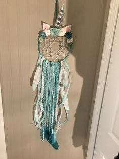 8 inch by 8 inch top 26 inch's long teal and white unicorn themed Dreamcatcher Bedroom Themes, Girls Bedroom, Bedroom Ideas, Unicorn Bedroom, Tee Pee, White Unicorn, Arts And Crafts, Diy Crafts, Family Crafts