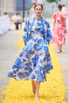Lela Rose Spring 2020 Ready-to-Wear Fashion Show - Lela Rose Spring 2020 Ready-to-Wear Fashion Show – Vogue Best Picture For plus size fashion For - 2020 Fashion Trends, Fashion 2020, Fashion Week, Runway Fashion, Womens Fashion, Vogue Fashion, Lela Rose, Couture Mode, Style Couture