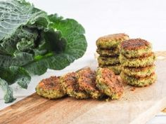 Add kale to your falafel to make them green, healthier and more nutritious. For these falafel we're using canned chickpeas and pan-frying them in the pan. Quick Vegetarian Meals, Healthy Cooking, Vegan Vegetarian, Cooking Recipes, Vegan Food, Going Vegetarian, Falafels, Vegan Falafel Recipe, Veggie Recipes