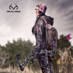 Realtree Xtra Camo Hunting outfit with #hoybowhunting Carbon Spyder. #realtreeXtra #huntingwomen