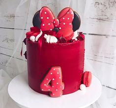 "1,691 Likes, 21 Comments - Anastasia&Elena (@lavender_bakery) on Instagram: ""Ещё одна вариация тортика на тему Микки Маус❤️Спасибо Лиля @volkova_liliya за волшебные…"" Mickey And Minnie Cake, Minnie Mouse Cake, Buttercream Cake, Fondant Cakes, Birthday Cake Girls, Tarte, Girl Cakes, Themed Cakes, Cake Recipes"