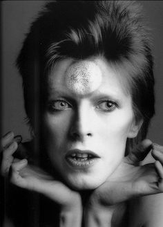 Masayoshi Sukita :: David Bowie for Ziggy Stardust, 1973 more [+] David Bowie posts / more [+] by this photographer