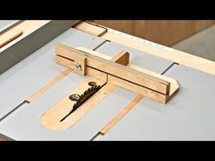 Make This Mini Table Saw Sled – Super Deluxe Version – Garage Organization DIY Table Saw Sled, Table Saw Jigs, Diy Table Saw, Woodworking Techniques, Woodworking Furniture, Woodworking Projects, Diy Bandsaw, Table Saw Accessories, Small Table Saw