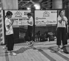 Il #Giappone é un paese con molte regole sociali ma c'è sempre spazio per esprimere la propria #arte queste sono le #morningfish! Musica e danza assieme sotto a uno cavalcavia di shinjuku è stato bello conoscerle!  #Japan #travel #viaggio #amazing #YouTube #vlog #travelblogger #travelvlogger #photooftheday #photography #japantrip #turismo #sugoi #onlyinjapan #kawaii #dance #singer #music #band #jpop #pop
