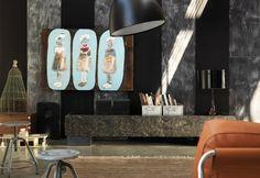 Pancone Marchetti Maison.  Modello D116 . Finitura in patina maestrale ner e interno laccato nero. Esterno in quercia esotica tagliata ad ascia e scapezzata a mano con un forte intervento di sabbiatura #Marchetti #Maison  #legno #quercia #patina #nero #sabbiatura #qualità #handmade #design #madie #credenze #arredo #fossile #artigiani