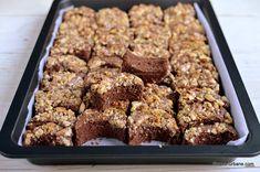 Prajitura Semiluna Kossuth kifli | Savori Urbane Romanian Desserts, Brownies, Sweets Recipes, Fondant, Cake Decorating, Sweet Treats, Food And Drink, Caramel, Cookies
