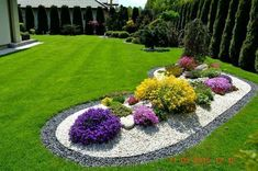 50 Awesome Front Yard Side Yard and Back Yard Landscaping Design Idea Source by serenitylightheart Farmhouse Landscaping, Front Yard Landscaping, Backyard Landscaping, Landscaping Design, Landscaping Software, Backyard Privacy, Backyard Garden Design, Garden Landscape Design, Landscape Designs