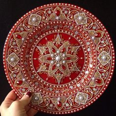 Image about white in 💐💟 art 🎠🎨🎭 by AVE_Victoria Mandala Art, Mandala Painting, Mandala Pattern, Mandala Design, Hand Painted Dishes, Painted Plates, Dot Art Painting, Plate Art, Henna Art