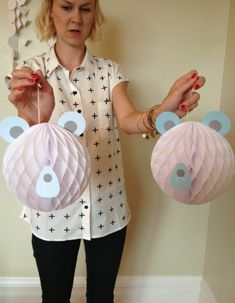 A Beary Cute Baby Shower- honeycomb bears
