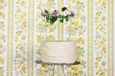 DIY: fresh floral cake topper
