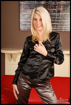 Satin Blouses, Nice Outfits, Black Satin, Silk Satin, Curves, Leather Jacket, Clothes For Women, Sexy, Girls