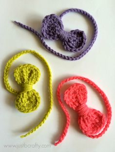 Mini Bow Bookmark! A Free Crochet Pattern & Tutorial |Just B Crafty ༺✿ƬⱤღ https://www.pinterest.com/teretegui/✿༻