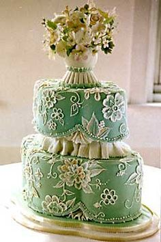 When you think of Victorian wedding cake designs you immediately think of grand, tall lace wedding cakes with intricate scrolls of an earlier period, with roses and cupids. Fancy Cakes, Cute Cakes, Pretty Cakes, Beautiful Wedding Cakes, Gorgeous Cakes, Amazing Cakes, Wedding Cake Decorations, Wedding Cake Designs, Wedding Ideas