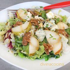 Esta ensalada con pera y gorgonzola es una propuesta sencilla y rápida para preparar un entrante especial en mesas de invitados, o una cena ligera lista al minuto.