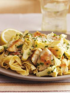For a dressed-up pasta dinner that only LOOKS like it took hours to make, try this 25-minute recipe featuring egg noodles in a creamy Parmesan wine sauce, paired with artichoke hearts and chicken. Add a slice of crusty bread, a tossed salad and a glass of Chard for a quick, satisfying meal.
