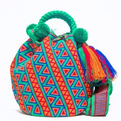 Wayuu Boho Bags with Crochet Patterns Crochet Handbags, Crochet Purses, Crochet Bags, Mochila Crochet, Tapestry Crochet Patterns, Tapestry Bag, Boho Bags, Knitted Bags, Beautiful Bags