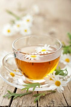Herbal Tea vs Tisane – What Is The Difference? Cramp Remedies, Herbal Remedies, Home Remedies, Natural Remedies, Health Remedies, Jus Detox, Tea Benefits, Health Benefits, Chamomile Tea