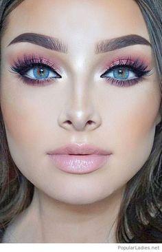 Light pink eye makeup and lips