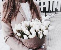 no rain no flowers My Flower, Fresh Flowers, Beautiful Flowers, Spring Flowers, Planting Flowers, Floral Arrangements, 90s Fashion, Fashion Clothes, Fashion Beauty