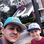 """8 curtidas, 1 comentários - gilberto antonio vieira junior (@gilbertoantoniovj) no Instagram: """"Olha o Jhonatan 💖 com a gatissima Rebeca filha do Silvio santos 🐝💐🐝💐🐝💐🐝💐🐝"""""""