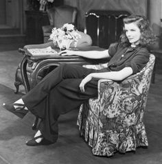 Channeling Wide Trousers and Katharine Hepburn Style Katharine Hepburn, Katharine Ross, Brigitte Bardot, Vintage Hollywood, Classic Hollywood, Hollywood Style, Hollywood Icons, Hollywood Glamour, Thelma Et Louise