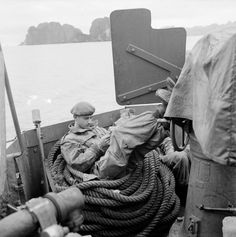 ECPAD | Commandos Marine dans la baie d'Along.